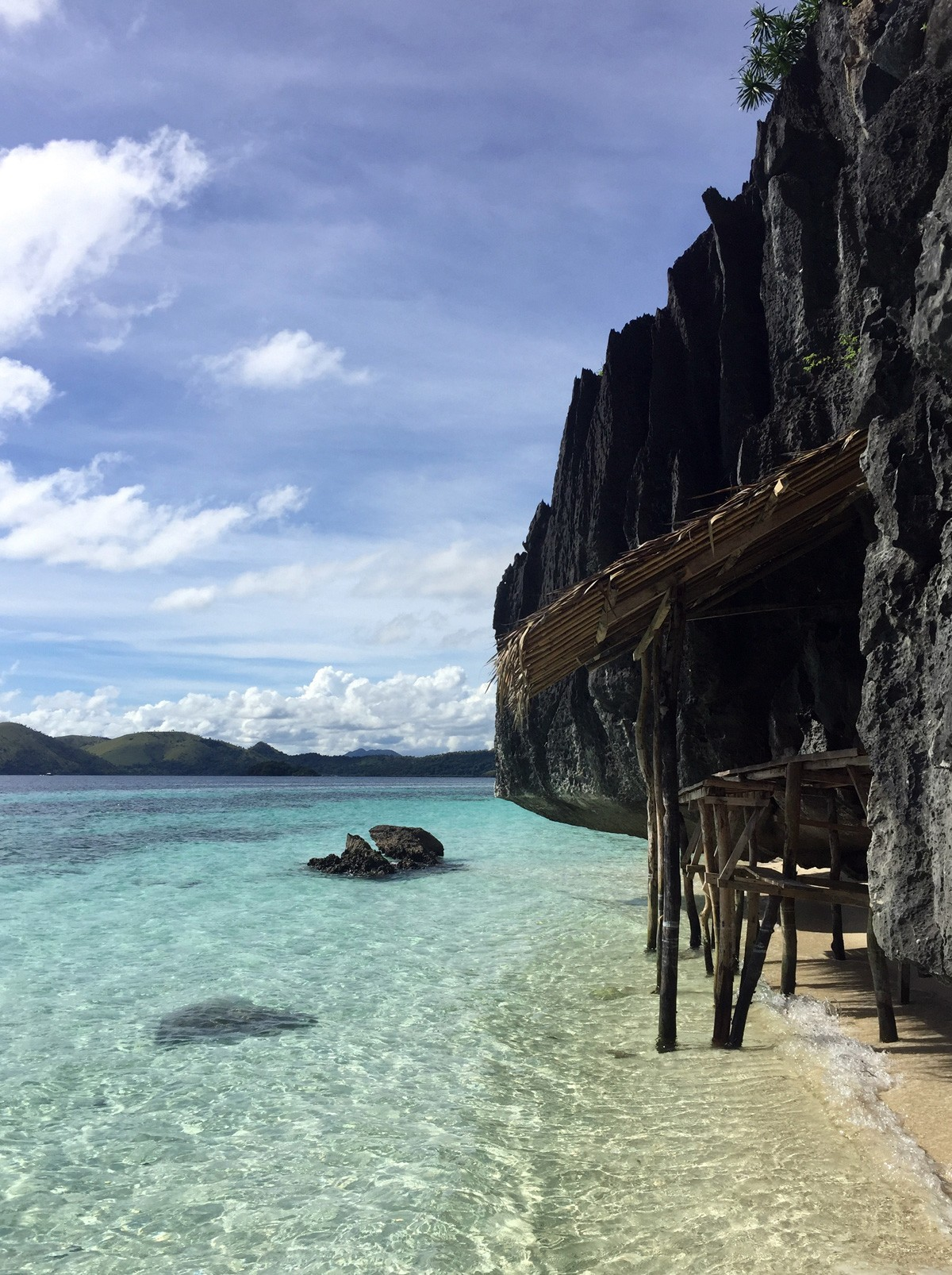 Clean water and perfect view - Banol beach, Palawan