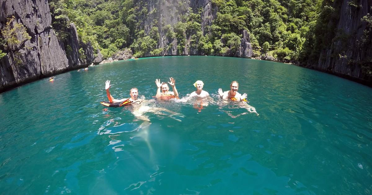 Nastya & Andrei in Twin lagoon Coron, Palawan - Travelblogstories