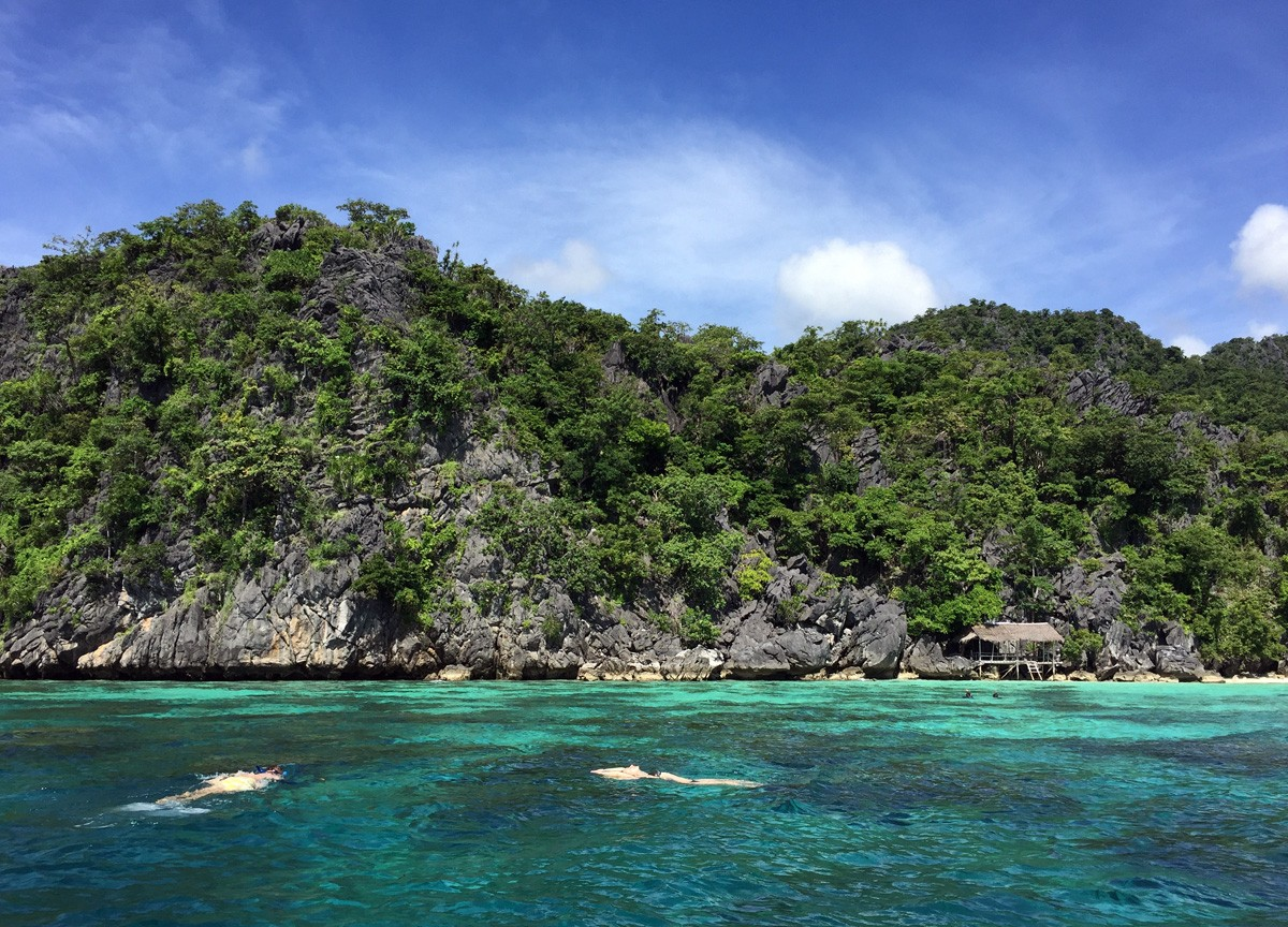 Clear water Coral Garden, Coron-Palawan
