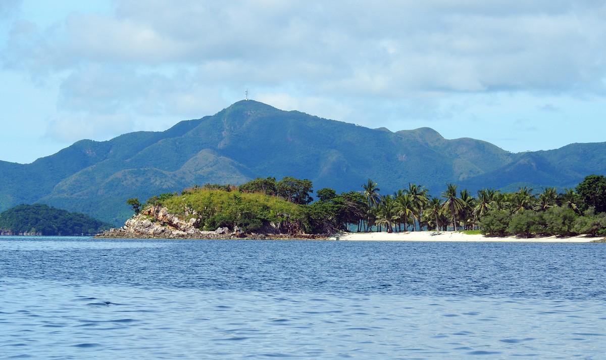 Malcapuya island beach palawan