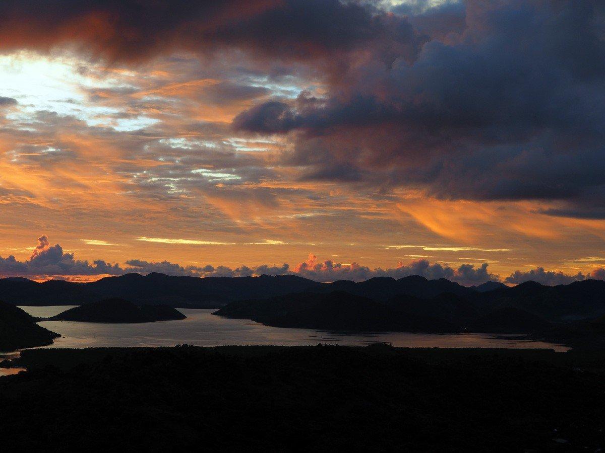 Incredible Sunset on Mt Tapyas Coron, Palawan