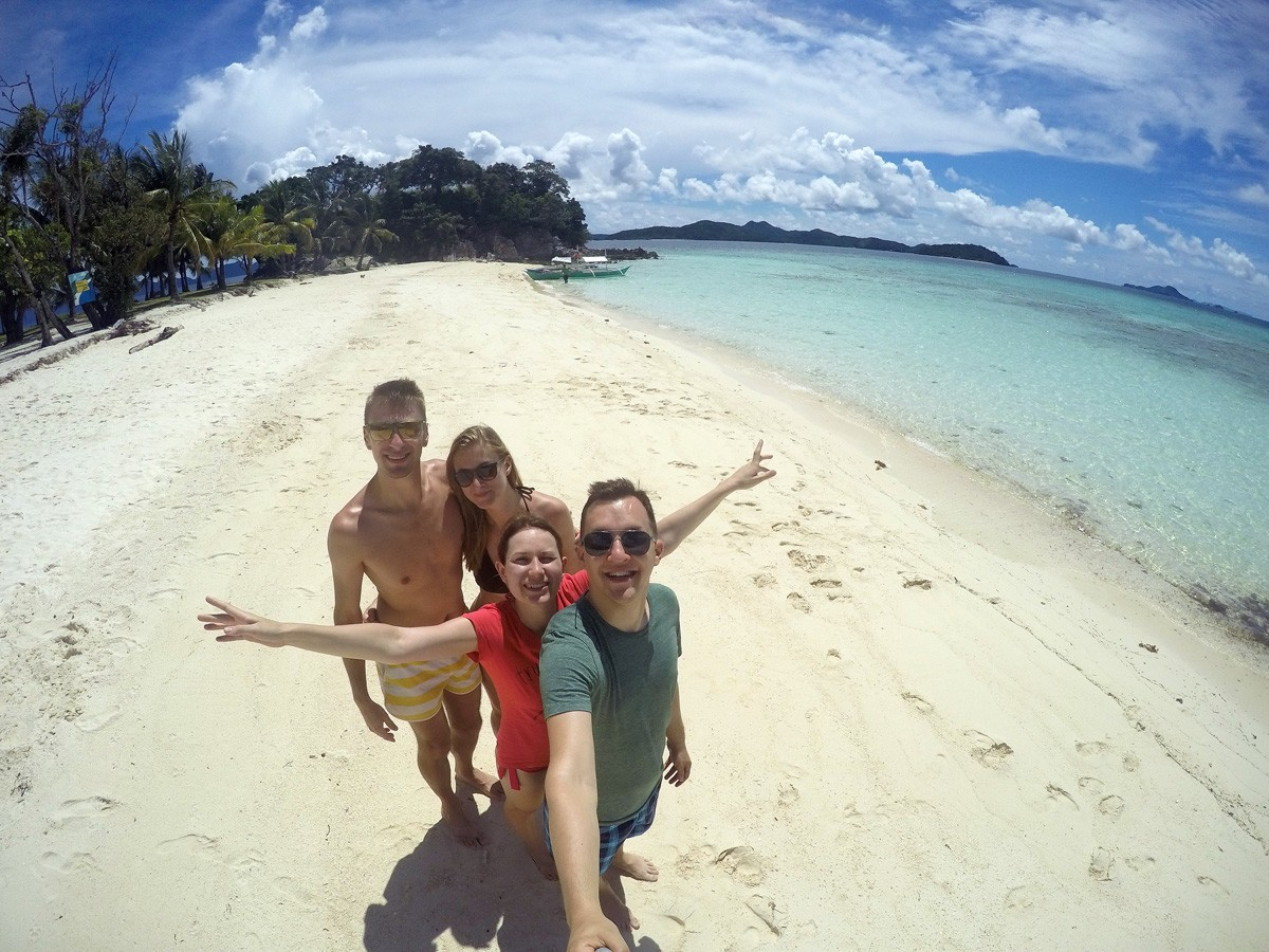 Tourist on Malcapuya island -Travelblogstories