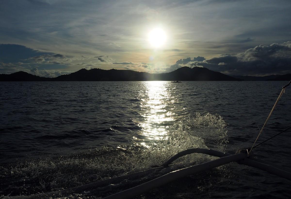 Sunset on Kayangan lake