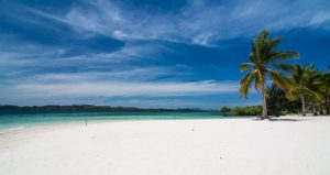 coron-reefsand-wrecks-island-hopping-tour-d