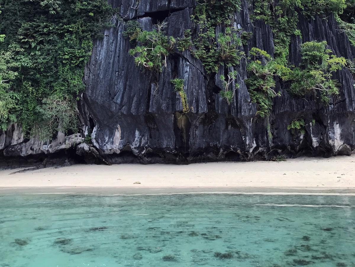 codognon_cave_beach_elnido