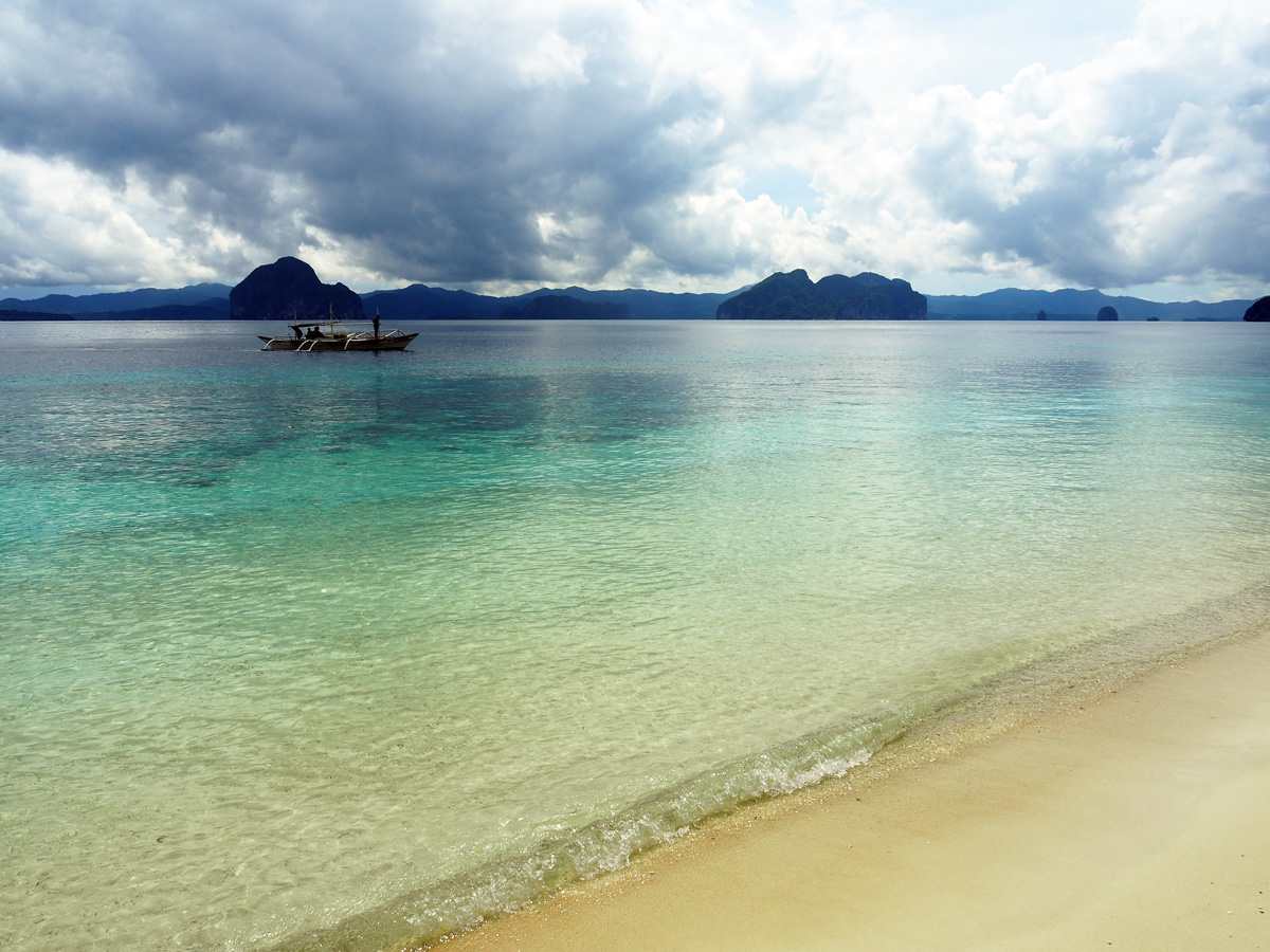 beautiful philippine beach, el nido