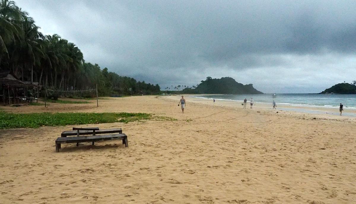 nakpan beach el nido palawan
