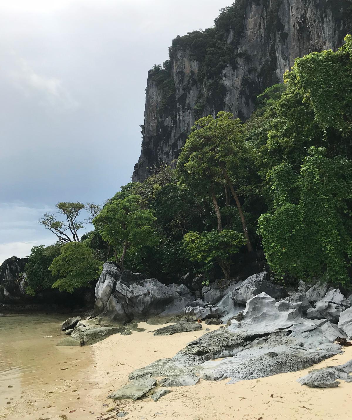 pinagbuyutan_island_palawan_philippines