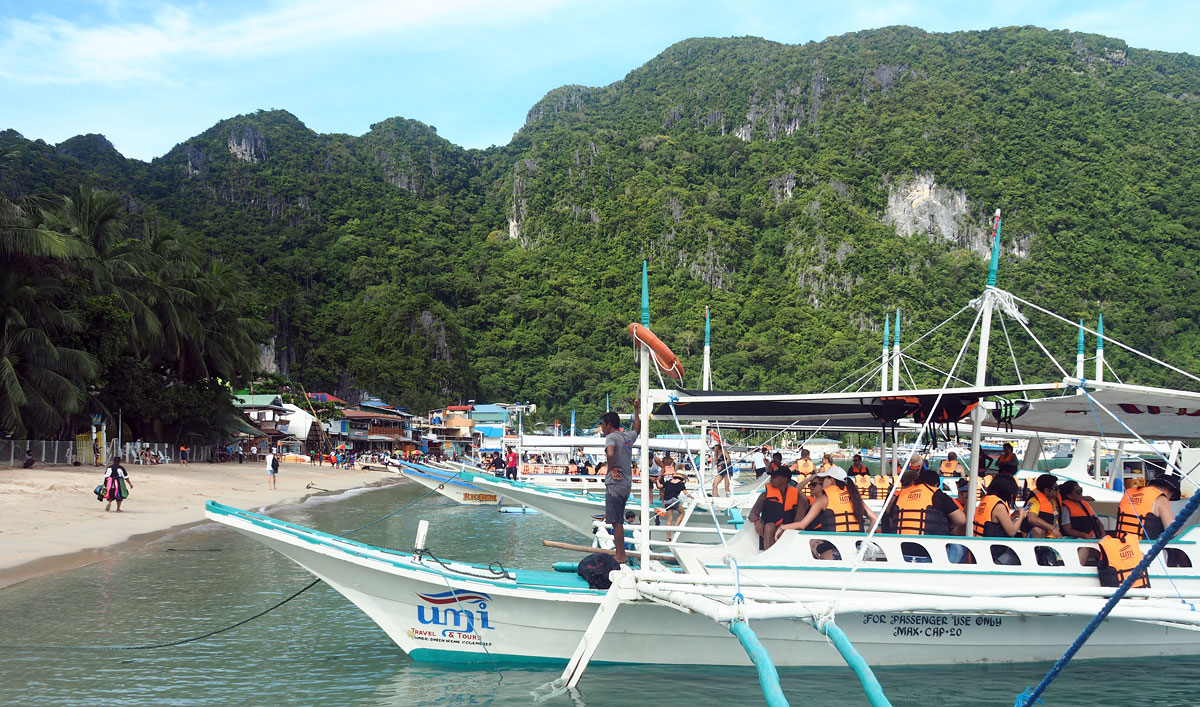 tourist ferry elnido