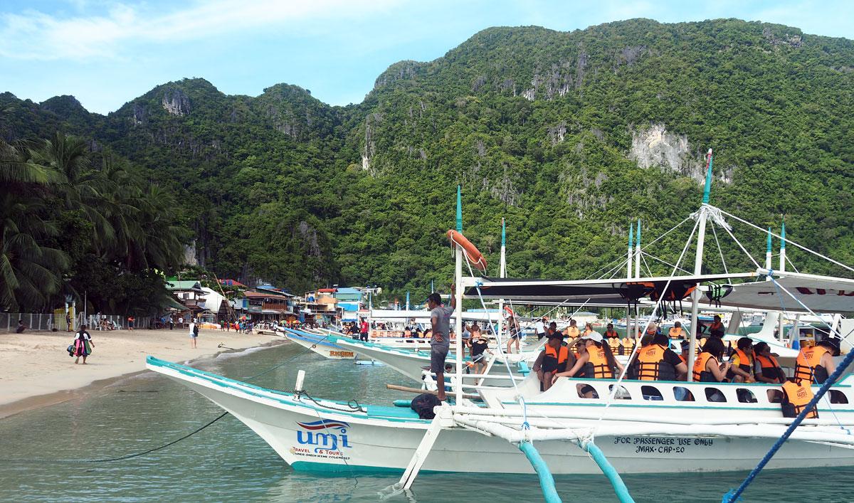 tourist ferry elnido
