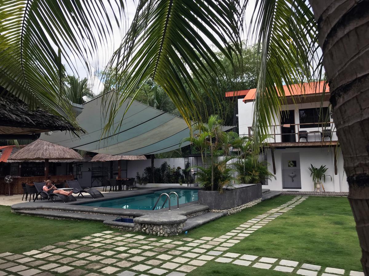 parrot_resort_moalboal_cebu_philippines