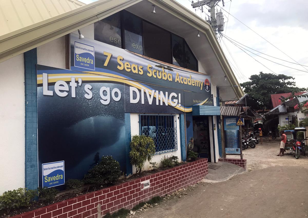 scuba_academy_diving_moalboal_cebu
