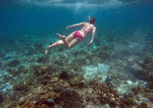 snorkeling_girl_moalboal_cebu