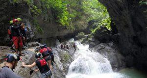 swimming_oslob_canyoneering_kawasan_waterfall
