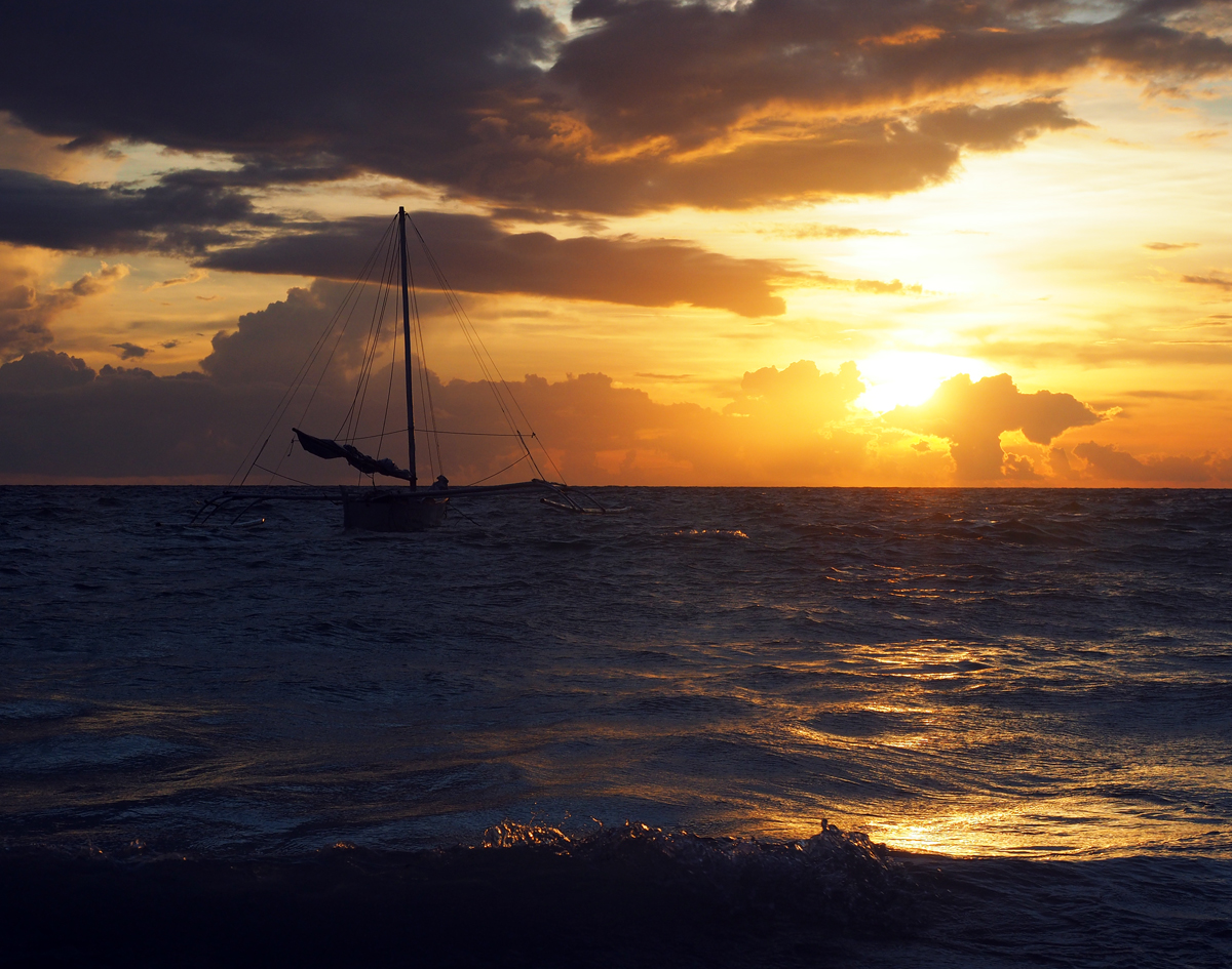 boracay_sunset_boat_sea