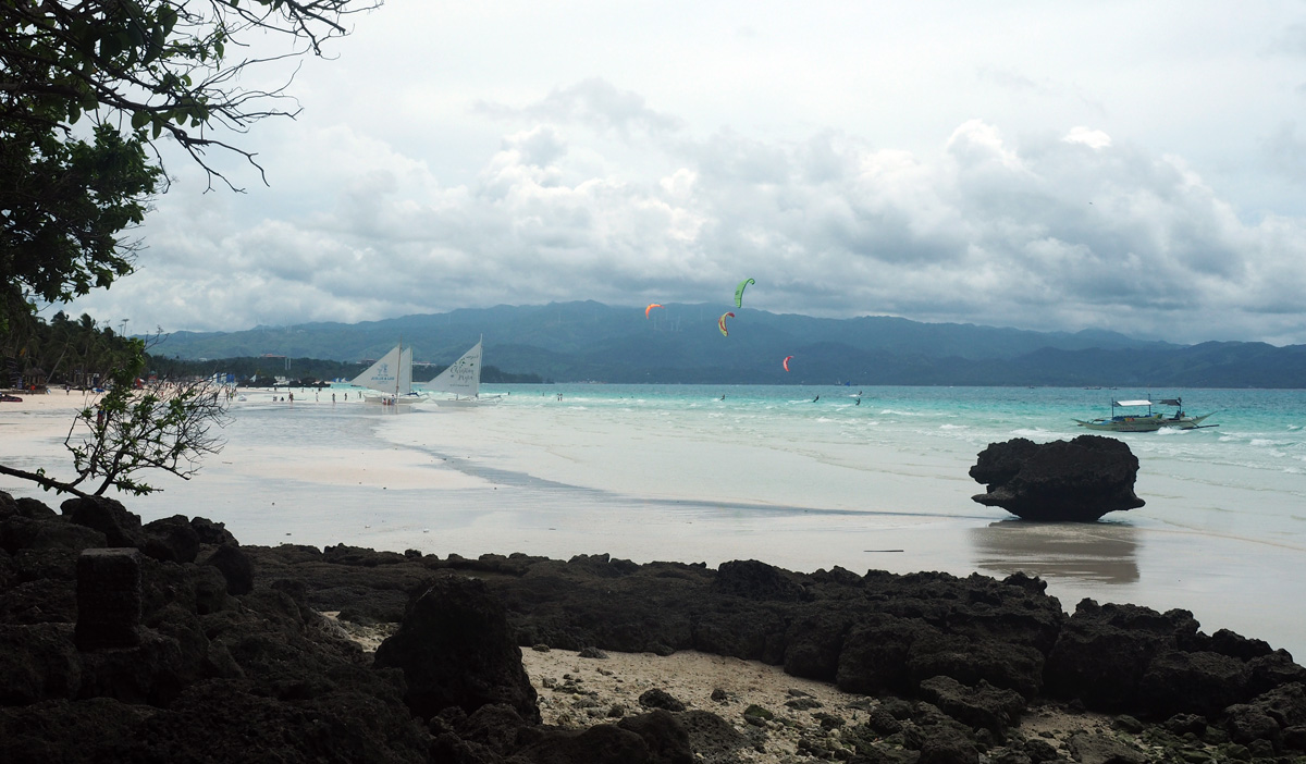 boracay_white_beach_kitesurfing