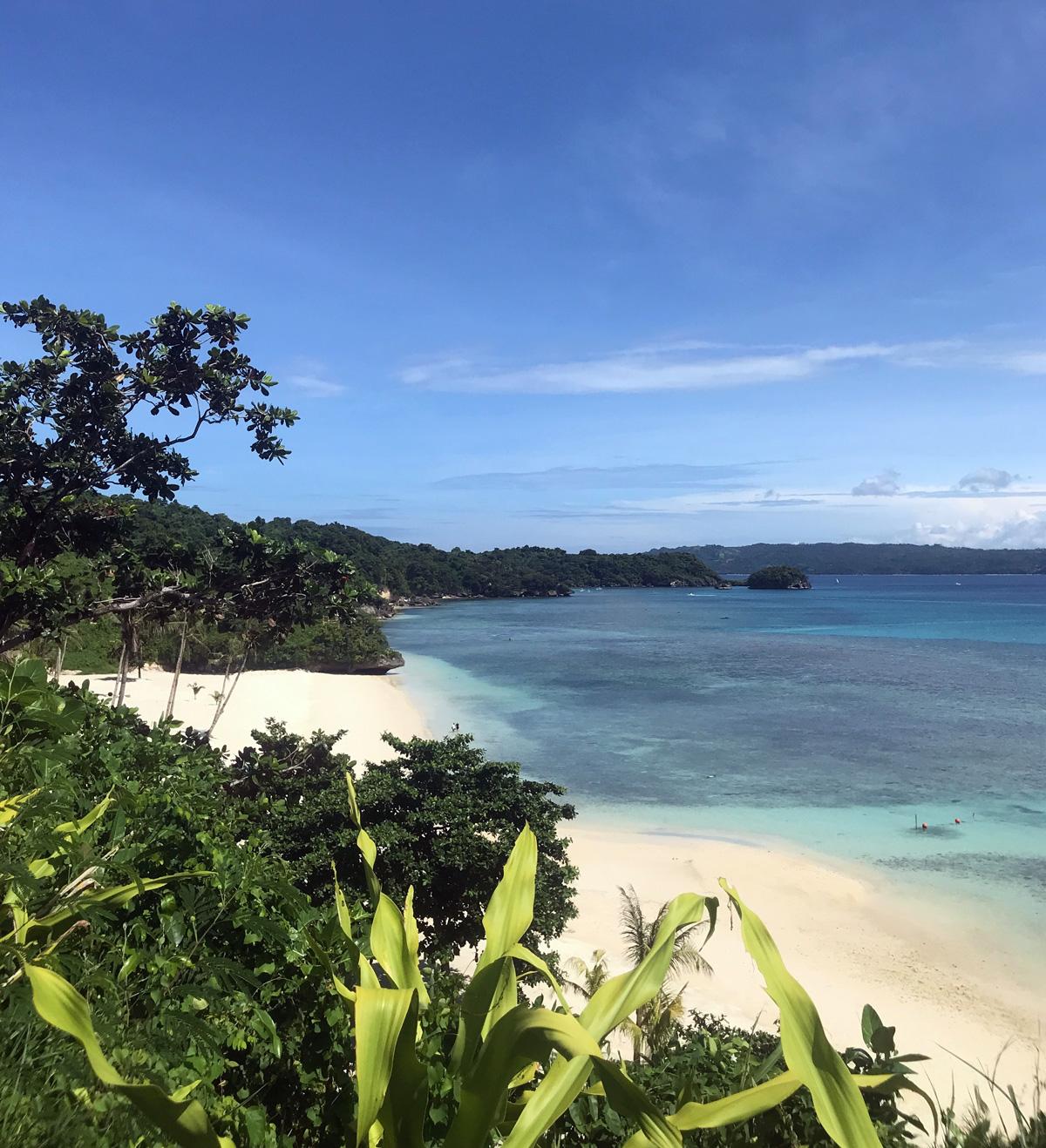lapuz_lapuz_beach_philippines