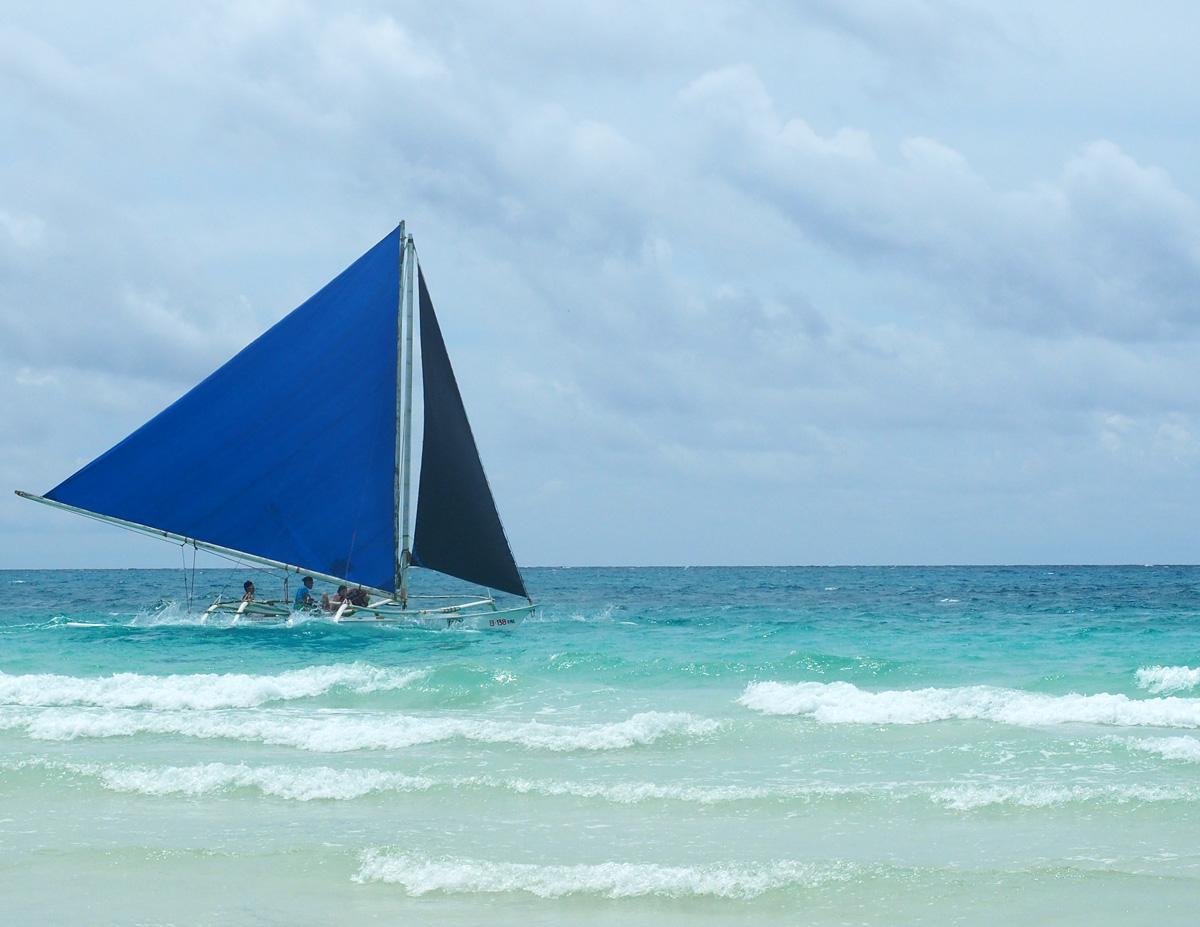sail_boat_borakai_philippines