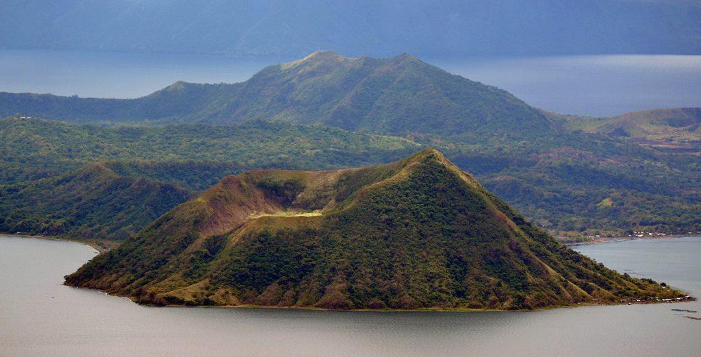 volcano_taal_philippines