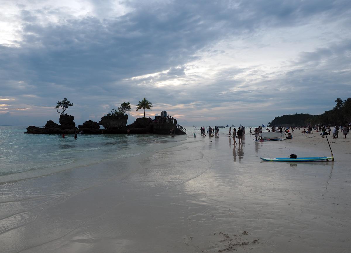 white_beach_boracay_island