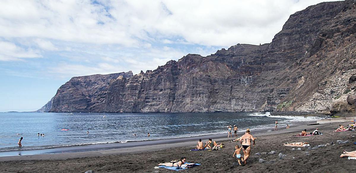 los_gigantes_beach_tenerife