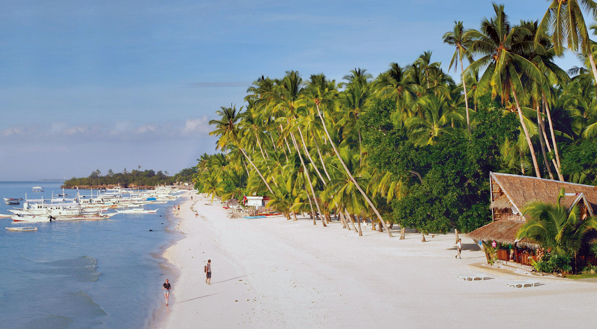 Alona beach on Panglao