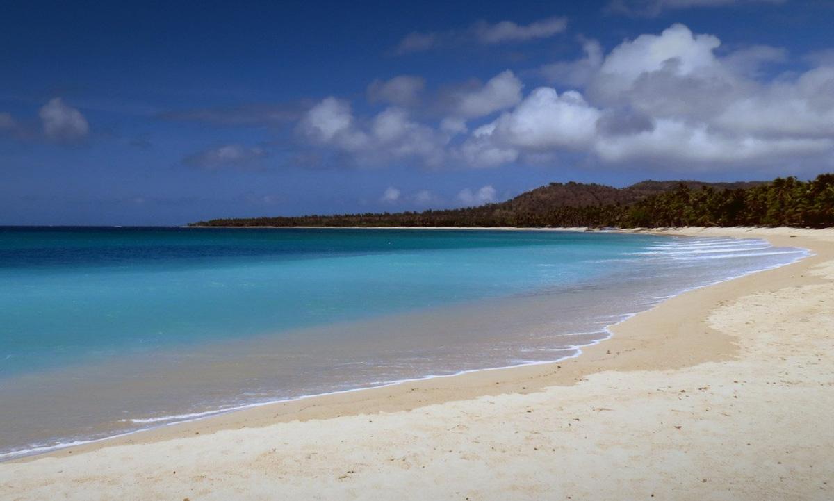 saud_beach_pagudpud_luzon